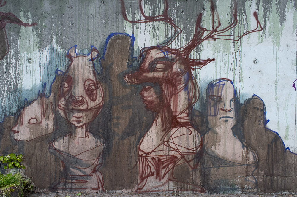 2013-05-25 X100 Graffiti Bad Vilbel Herakut Bahndamm 032