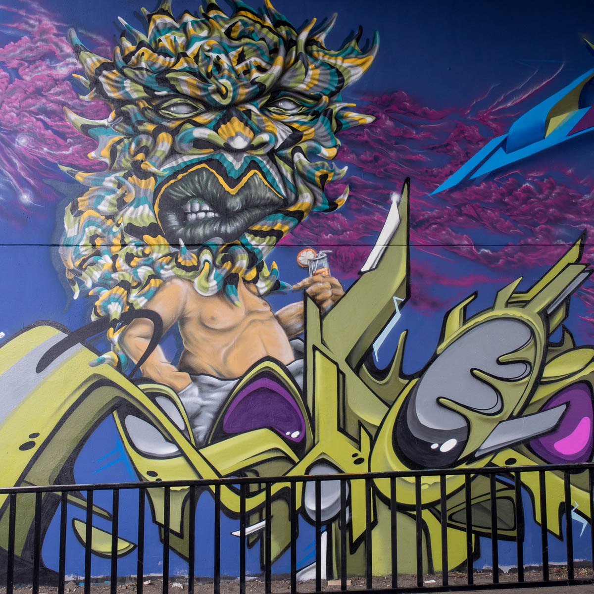 2015-06-18 EM1 Graffiti Mainz-Kastel MOS 2015 0234